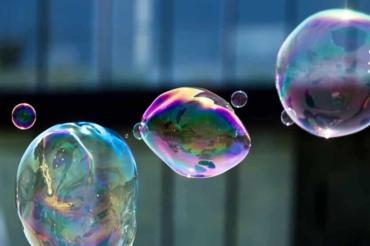 Almeria-Global-Bubble-Parade