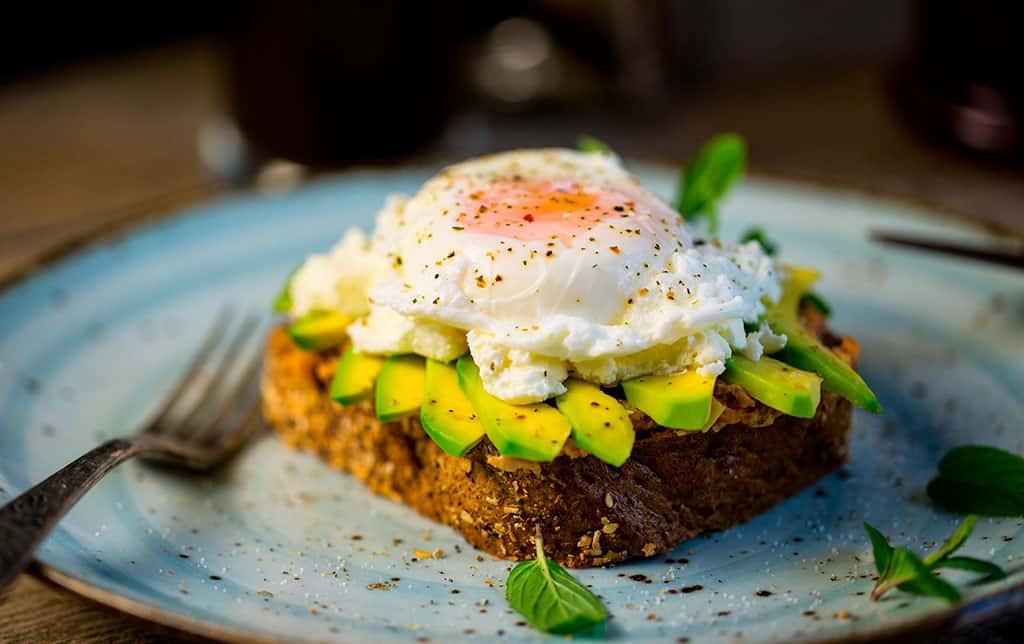 Desayunar tostada Almería