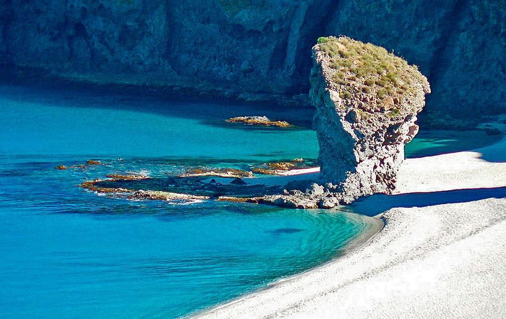 Playa de los Muertos en Carboneras Almería