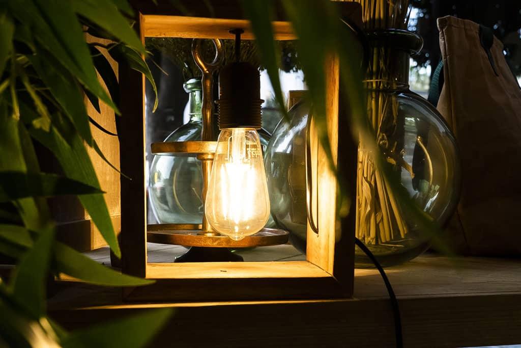 3-lampara-madera-avdecoandhome-almeria