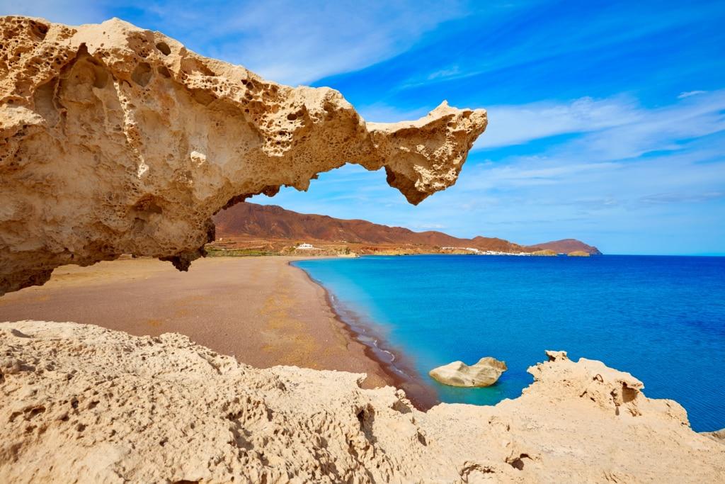 duna fosilizada en playa de Los Escullos en Almería