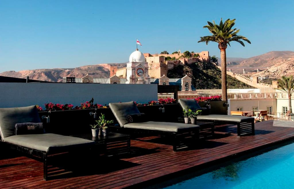terraza AIRE Hotel & Ancient Baths